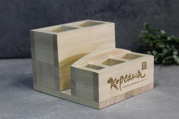 Деревянный диспенсер для приборов,салфеток и специй